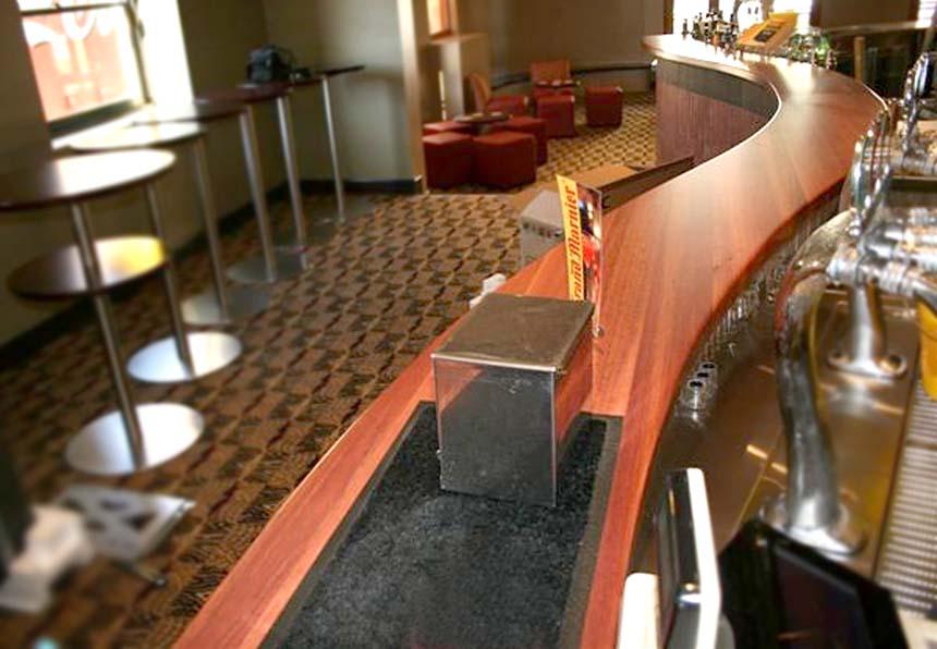 BARS - Belmont Hotel - Jarrah